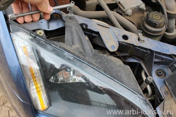 как снять фару форд фокус 2