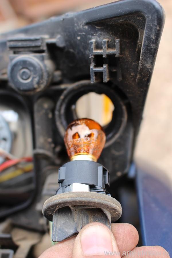 Лампочка поворотника передней фары фф2