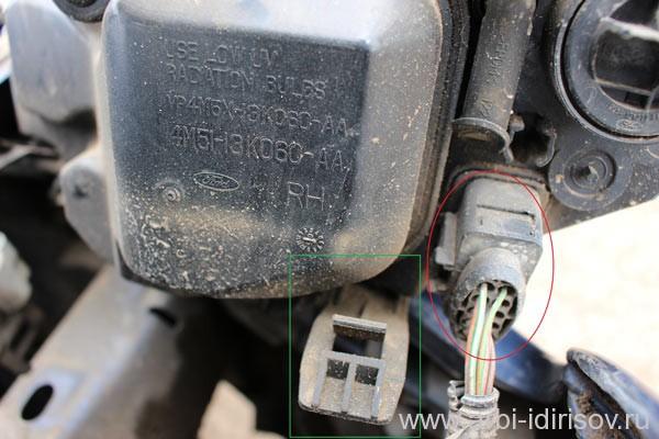 Замена лампочки габарита передней фары форд фокус 2