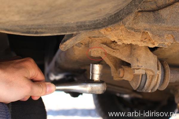 Как снять, открутить защиту двигателя на моделях Лада 2114, 2115