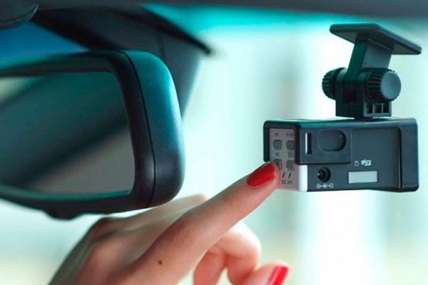 видеорегистратор с дополнительной батареей